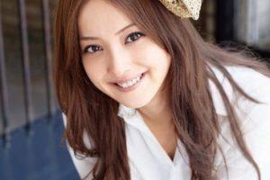 佐々木希のブログで仲良し大政絢やジューシーさん。復縁、破局と噂の二宮和也との結婚話しが進んでる?